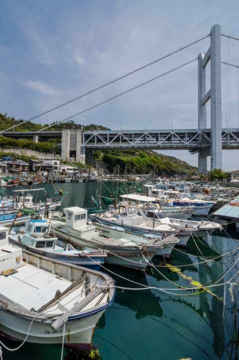 Boats with the Seto Ohashi Bridge
