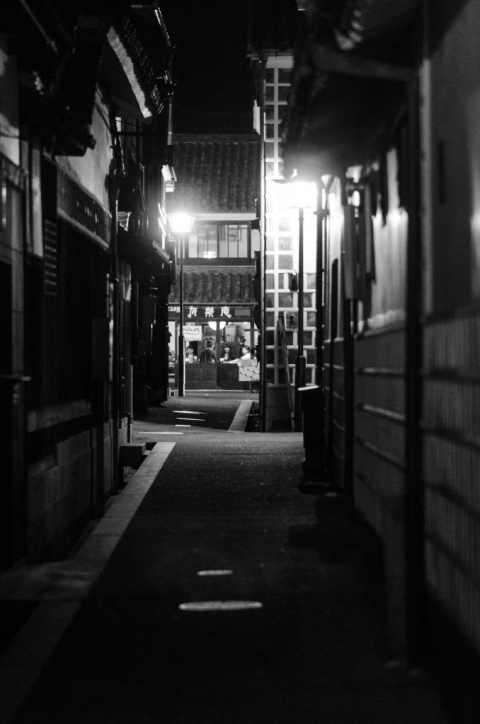 monochrome kurashiki alley