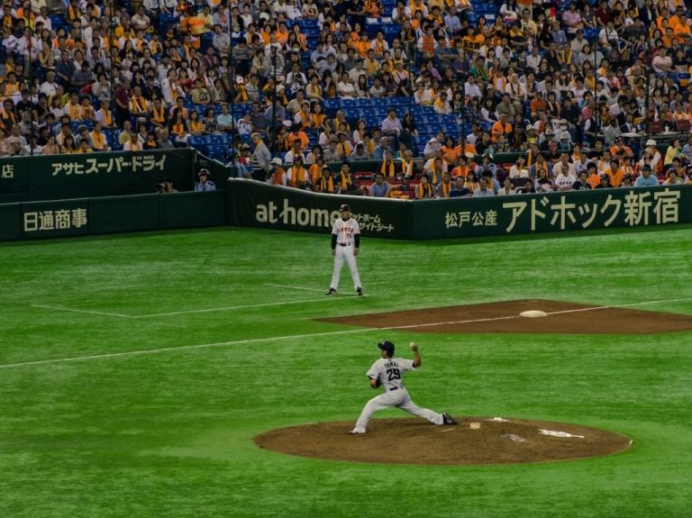 Yamai pitching